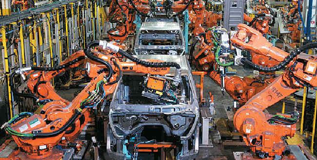 Polacy nie powinni bać się robotów? Tylko co 4 firma planuje automatyzację pracy