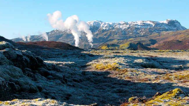 Tajemnica bogactwa Islandii: wulkany pracy i Eyjafjallajökull.