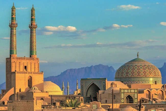 Irańska waluta na dnie.