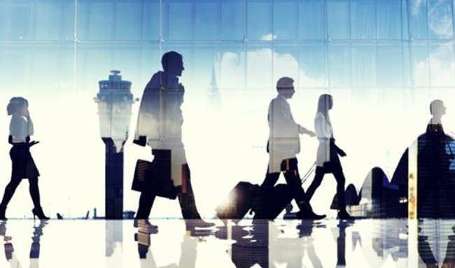 Polacy za granicą: gdzie wyjeżdżają i ile zarabiają?