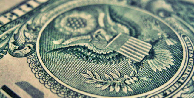 Wpływ amerykańskich wyborów na dolara.