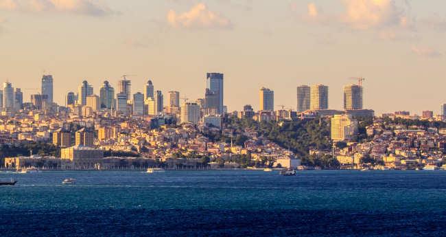Słaba lira gra prawdę o tureckiej gospodarce.