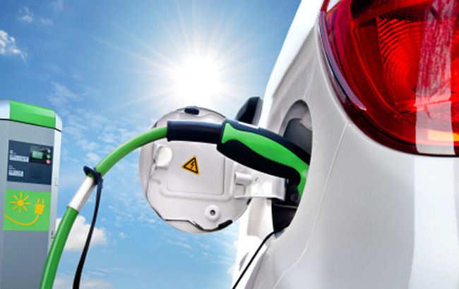 Co trzecia fabryka motoryzacyjna w Polsce już produkuje części do aut elektrycznych, hybrydowych lub autonomicznych.