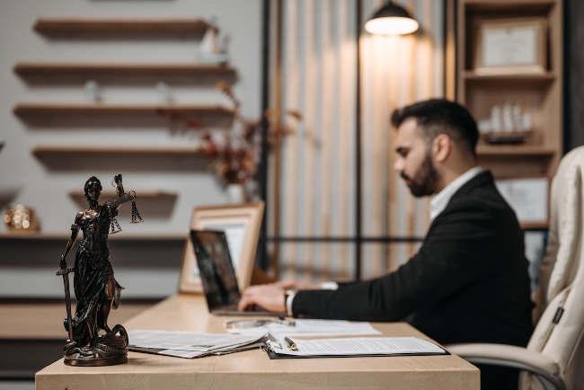 Dlaczego warto wybrać adwokata z Białegostoku, kiedy dłużnik nie płaci?