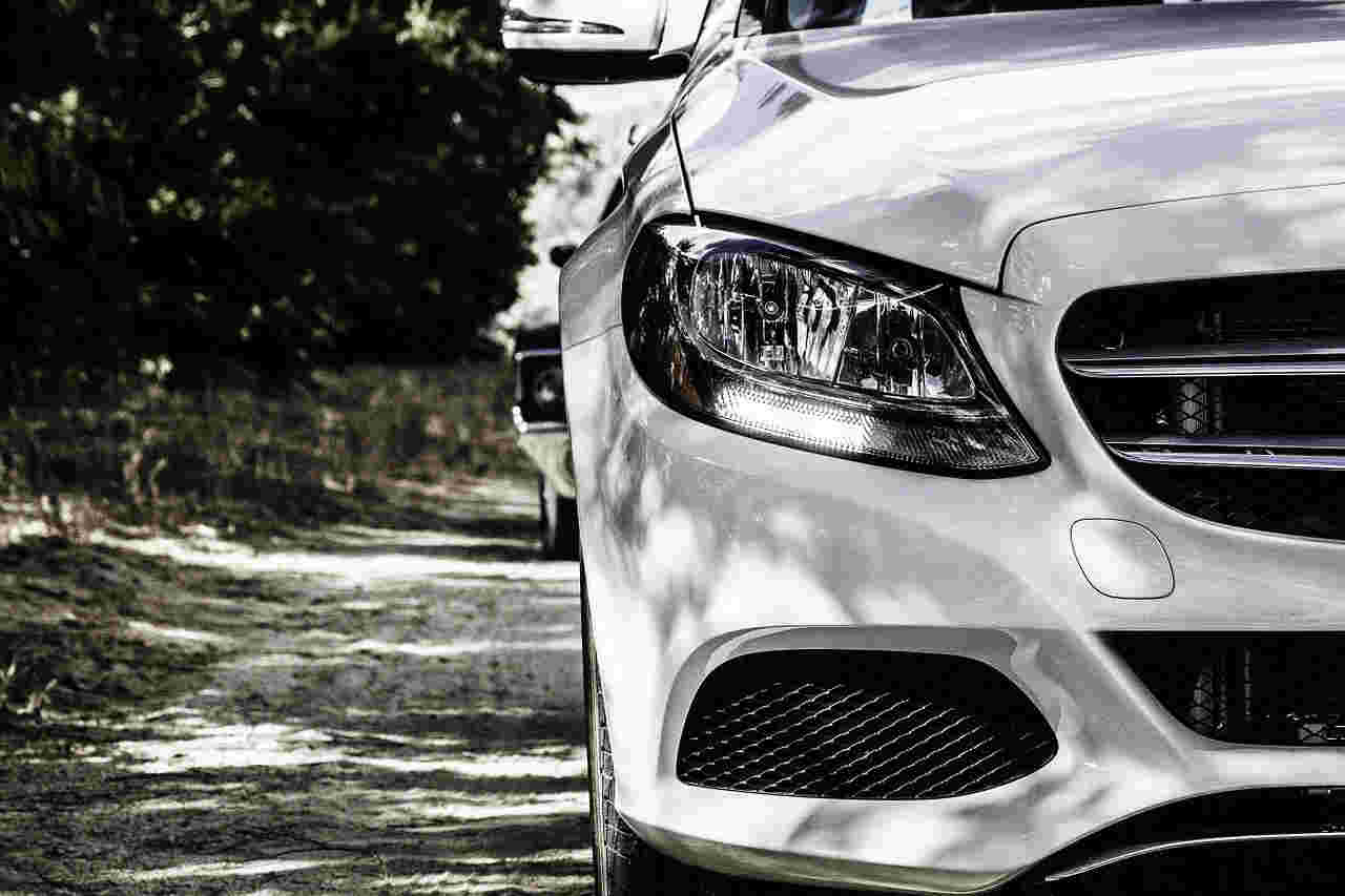 Czy marka samochodu wpływa na cenę ubezpieczenia OC?