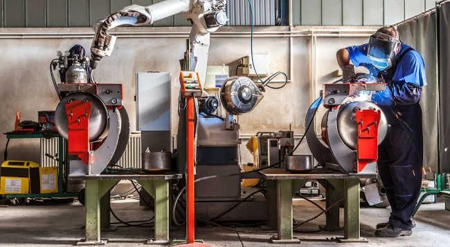 Trendy robotyzacji przedsiębiorstw produkcyjnych w 2021 roku