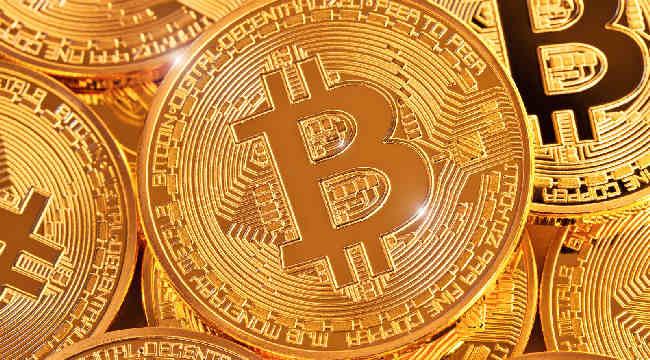 Facebook zamiecie kryptowaluty? Na razie bitcoin w górę.