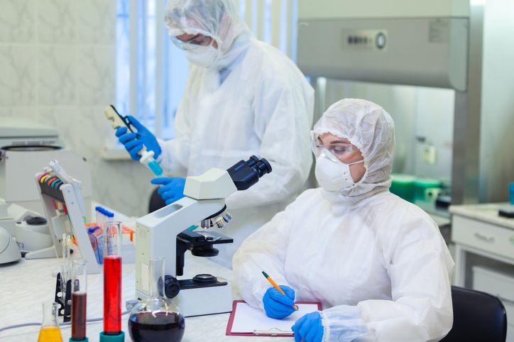 COVID-19: genetyczny defekt może mieć związek z przebiegiem pandemii?